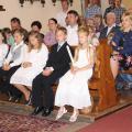 Děti, které přijmou poprvé Pána Ježíše v eucharistii